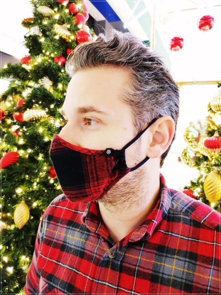 masca textila rosie