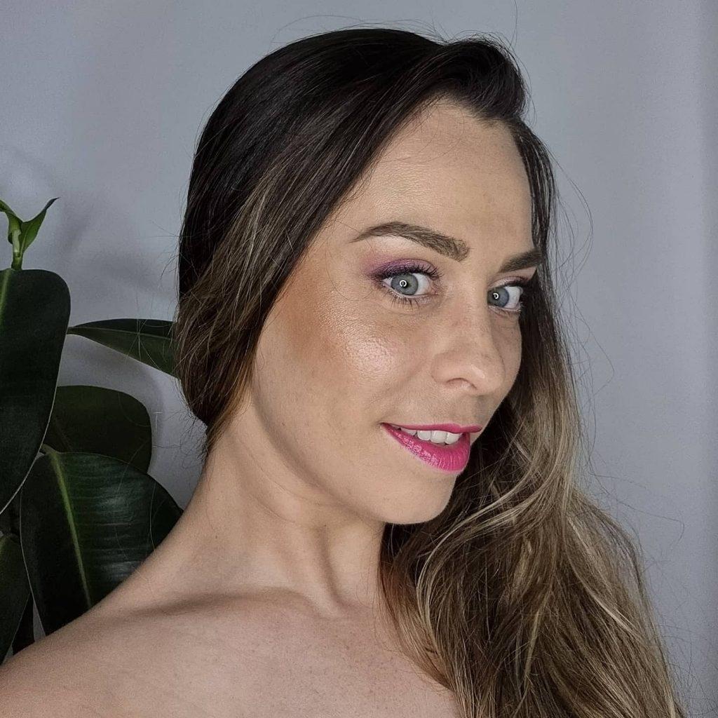 Gabriela Salvette makeup